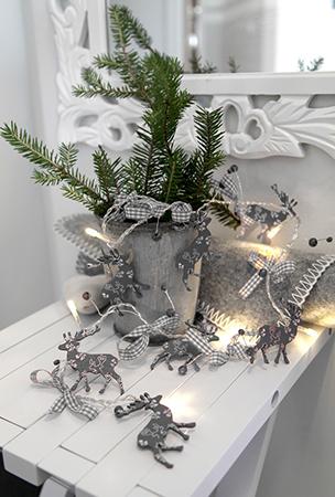 Ljusslinga med renar med timer 8 led gr julbelysning for Mobilia webhallen