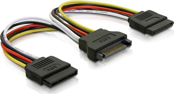 Deltaco Y-strömadapter för 15-pin SATA-ström