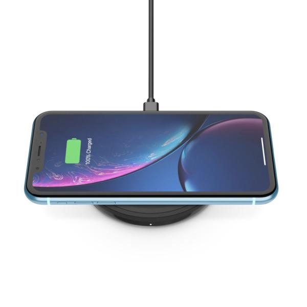 Belkin 10W Boost Up Wireless Pad med adapter – Svart (Fyndvara – Klass 1)