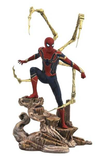 Diamond Select Gallery: Avengers Infinity War - Iron Spider-Man Diorama