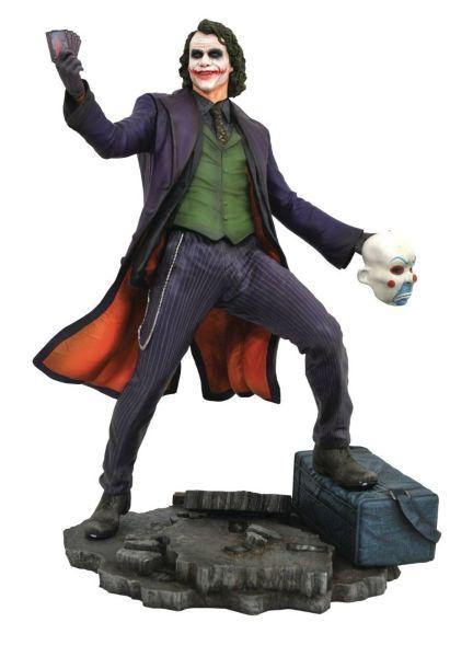 Diamond Select Gallery: Dark Knight - Joker Diorama