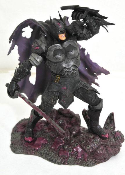 Diamond Select Gallery: DC Comic  - Metal Batman Statue